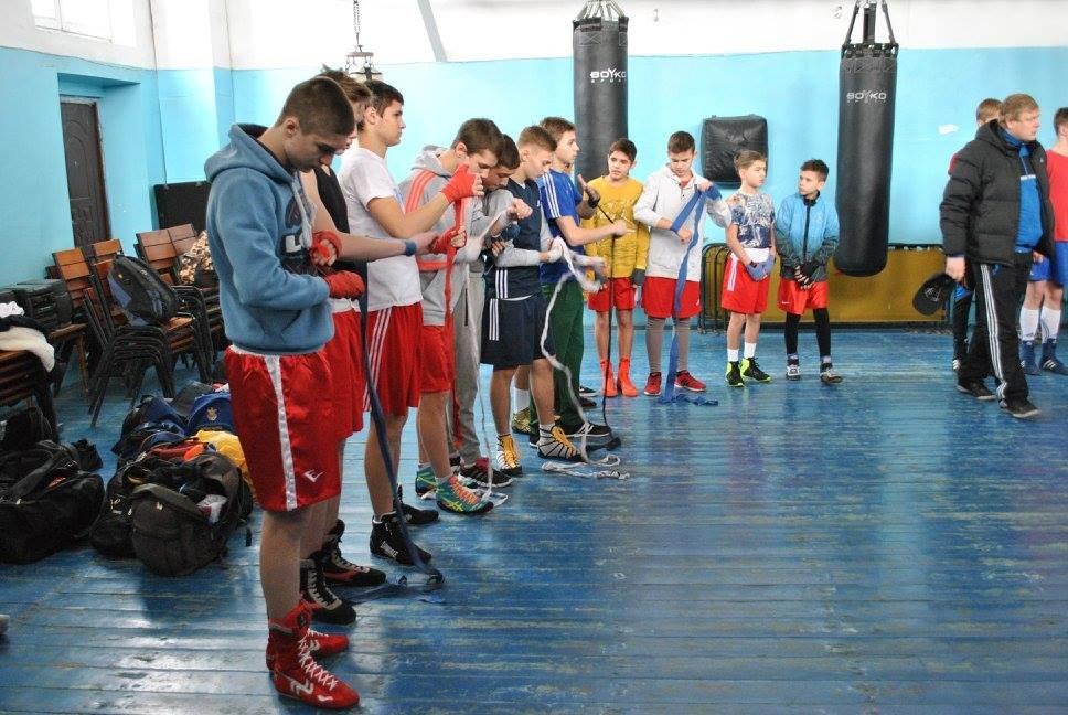 Прошли спарринги между херсонскими и николаевскими боксерами, фото-1
