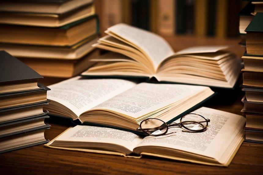 Херсонська бібліотека отримала книги відомої української письменниці , фото-1