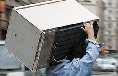 В Херсоне безработный украл холодильник, фото-1