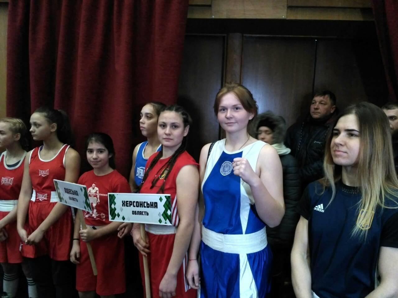 Херсонские спортсменки одержали первые победы на Чемпионате Украины по боксу, фото-1