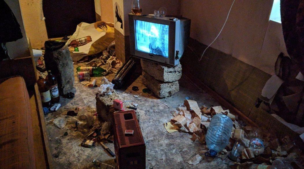 В Херсоні поліцейські розшукали неповнолітнього втікача у нежилому будинку , фото-1