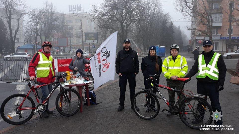 Патрульные встретились с велосипедистами Херсона, фото-2