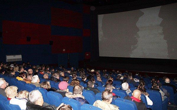 """На Херсонщине показ фильма """"Киборги"""" едва не завершился дракой, фото-1"""