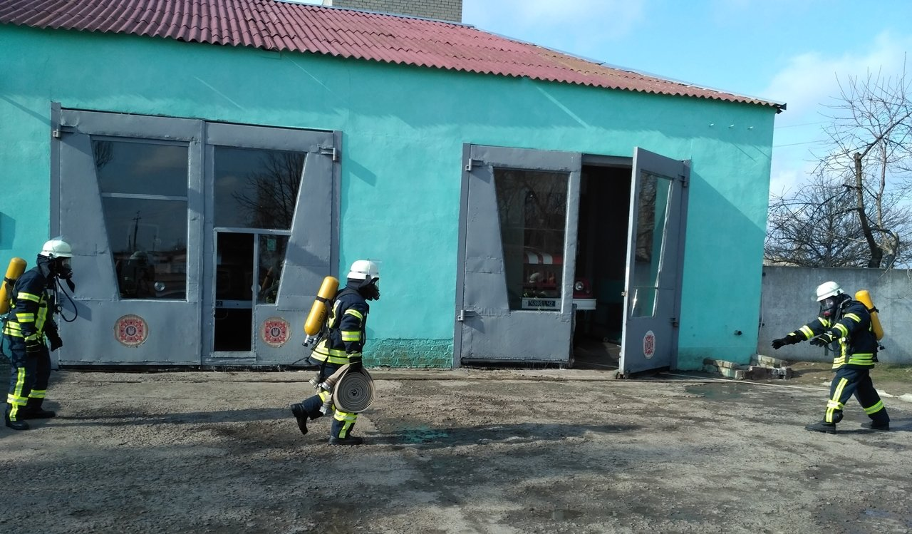 Каланчацькі рятувальники тренувалися як працювати в екстремальних умовах, фото-1