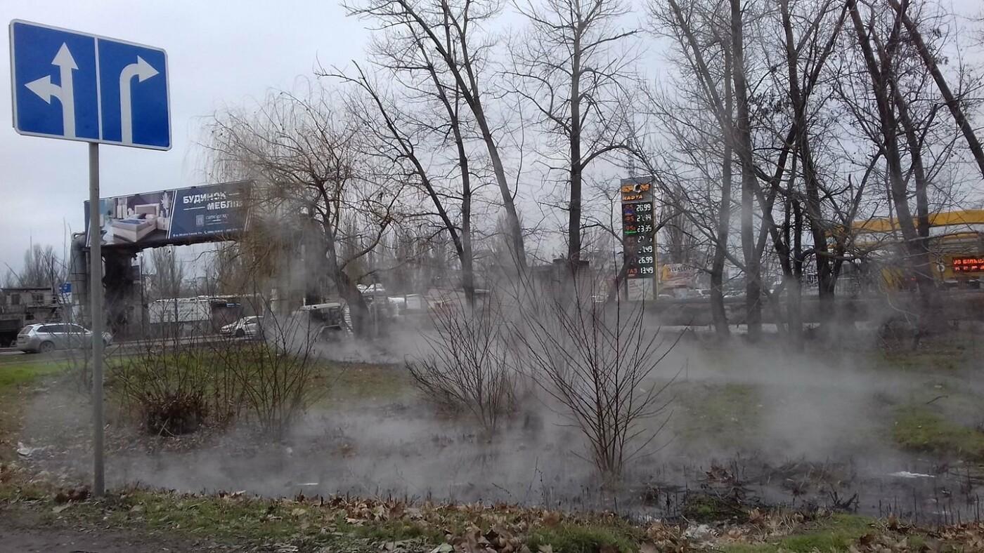 В Херсоне прорвало теплосети (фото), фото-1