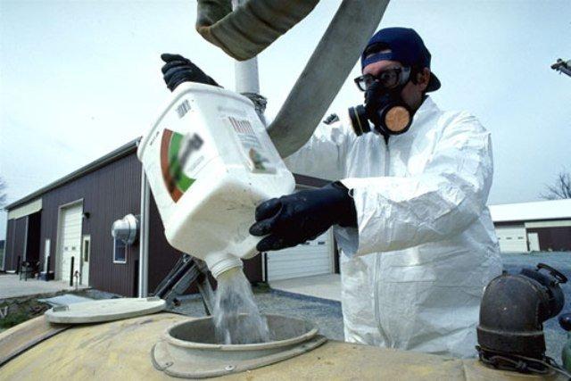 Утилизация пестицидов обойдется Херсонщине в 9 млн гривен, фото-1