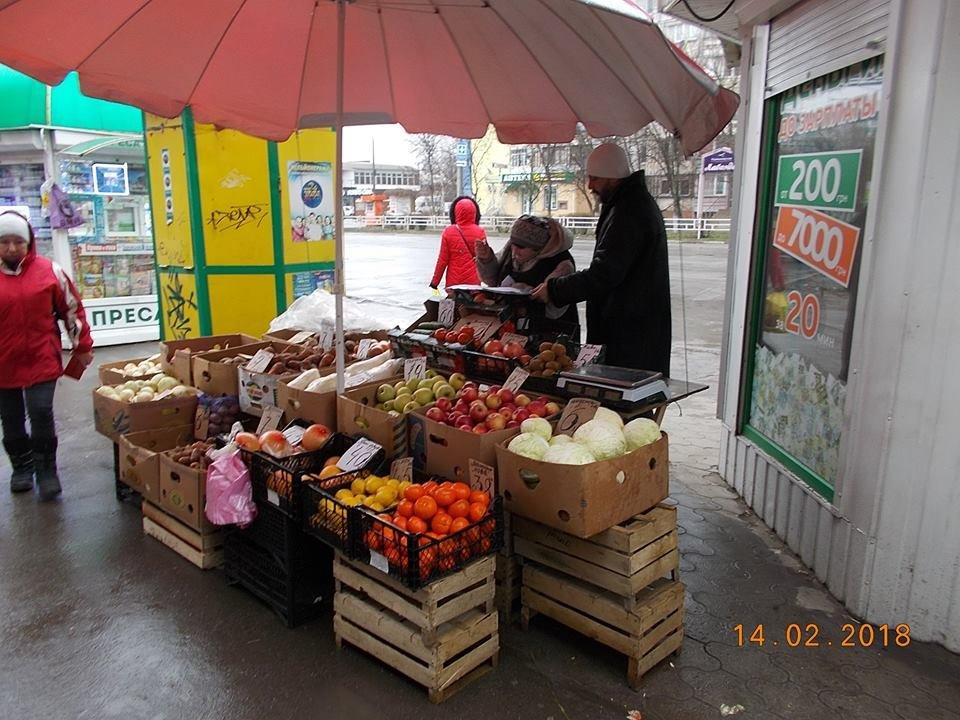 В Херсоне вновь борются со стихийной торговлей, фото-1