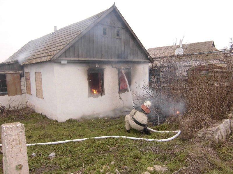 Горностаївські вогнеборці ліквідували пожежу у житловому будинку, фото-1
