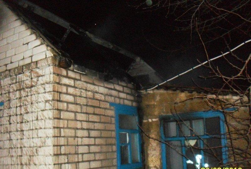 У Херсоні пожежні загасили займання в літній кухні, фото-1