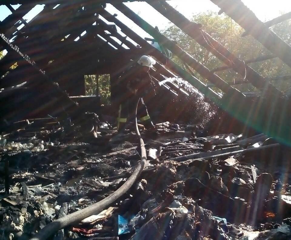 У Херсоні вогнеборці ліквідували пожежу в житловому будинку, фото-1