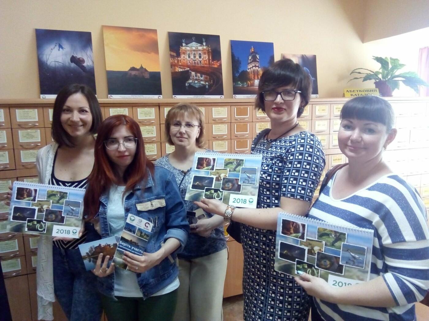 Херсонців запрошують на виставку Вікіпедії у самому центрі міста, фото-5