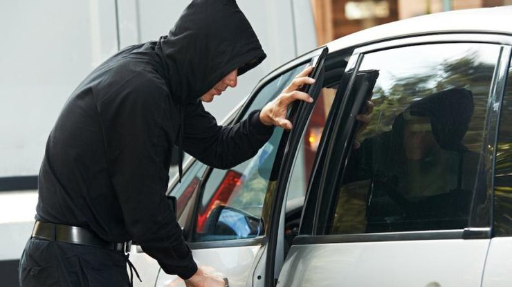 """Результат пошуку зображень за запитом """"Поліцейські затримали зловмисника, який викрав машину у прикарпатця"""""""