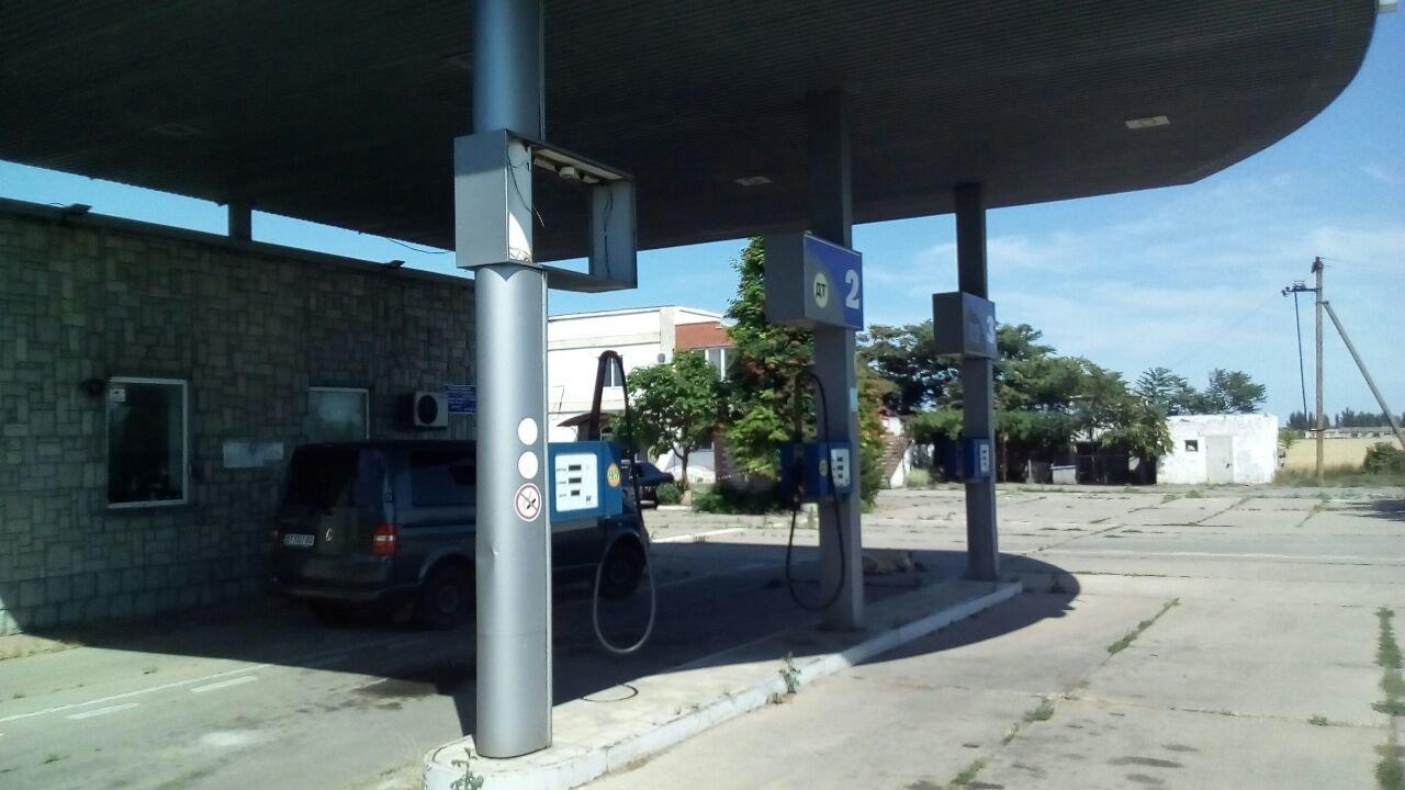 На Херсонщині знову бензинова АЗС «без документів», фото-1