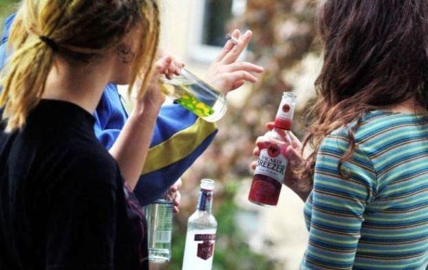 Херсонські фіскали скасували 9 ліцензій за продаж алкоголю неповнолітнім, фото-1