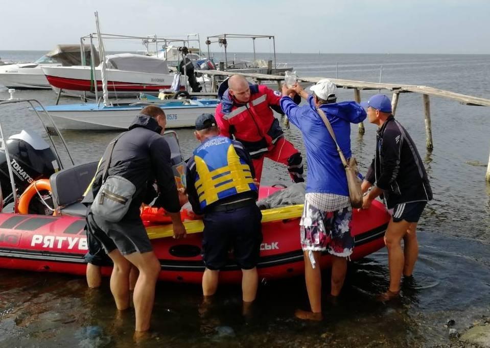 Тяжелобольного харьковчанина срочно эвакуировали с острова Джарылгач , фото-1