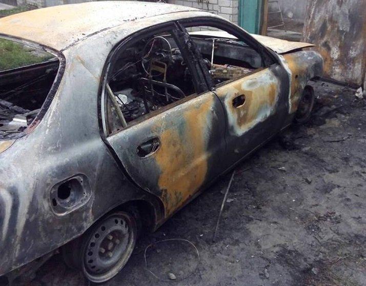 В Херсоне спалили автомобиль члену политической партии (фото), фото-2