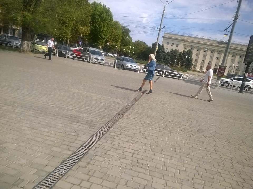 Опасность для пешеходов в центре Херсона (фото), фото-1