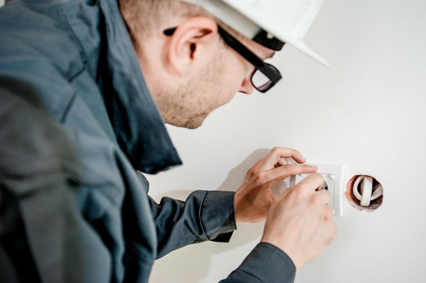 Сколько зарабатывают специалисты рабочих профессий в Херсоне?, фото-1