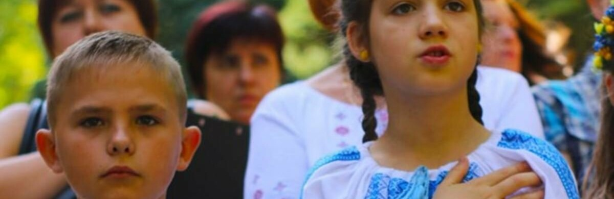 Детей переселенцев будут бесплатно кормить в учебных заведениях Херсона и области